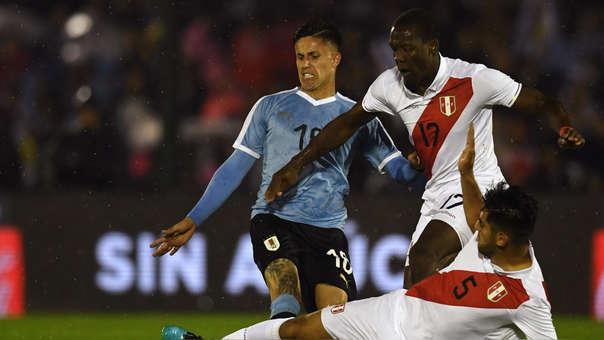 Perú vs. Uruguay se enfrentan en el estadio Centenario