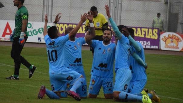 Así fue el doblete de Héctor Zeta en la goleada de Binacional por 7-0 sobre Alianza Universidad por la Liga 1