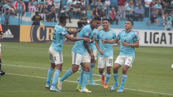 Christopher Olivares abrió el marcador a favor de Sporting Cristal ante Pirata FC