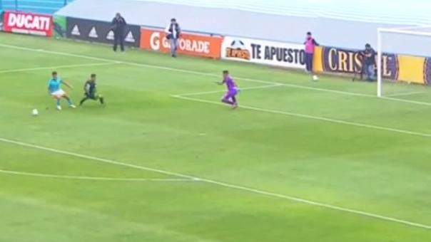 Christopher Olivares marcó su doblete para Sporting Cristal en el Alberto Gallardo