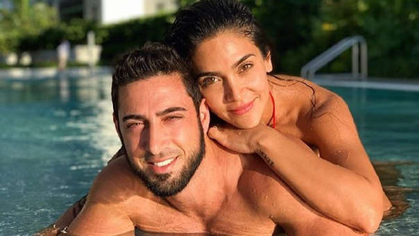 Vania Bludau y su novio