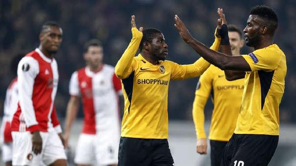 Con Renato Tapia en banca Feyenoord cayó 2-0 ante Young Boys por la fecha 3 de la Europa League
