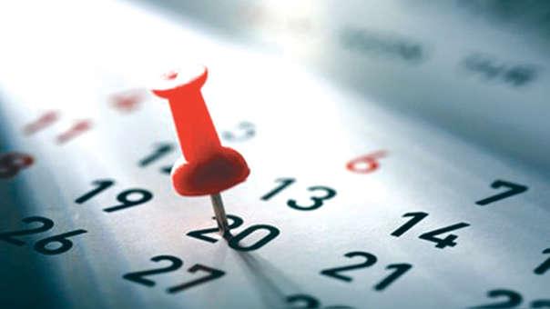 El disfrute del feriado nacional no laborable para los trabajadores públicos (bajo el régimen privado) y privados, debe efectuarse ese mismo día.