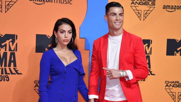 Cristiano Ronaldo y Georgina Rodríguez presentes en la alfombra roja de los EMAs de la MTV