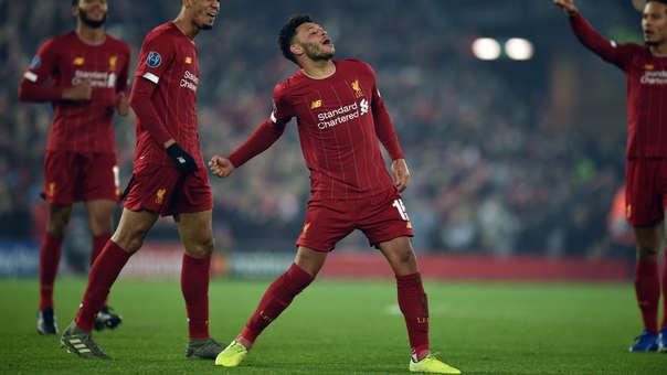 El golazo de Oxlade-Chamberlain para el 2-1 de Liverpool ante Genk por la Champions League