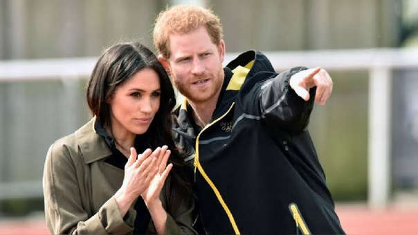 El príncipe Harry y Meghan Markle denuncian a diarios sensacionalistas británicos por acoso telefónico