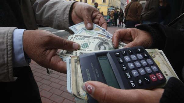 En los últimos doce meses la divisa cayó 0.27%, de acuerdo con el Banco Central de Reserva.