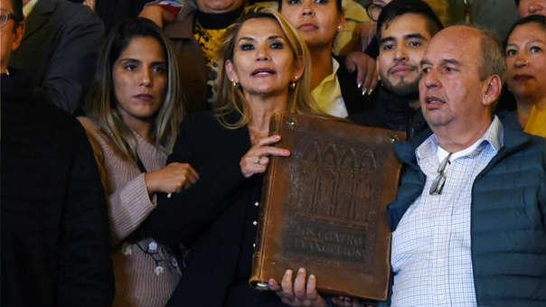 BOLIVIA-CRISIS-ANEZ-INTERIM-PROCLAMATION