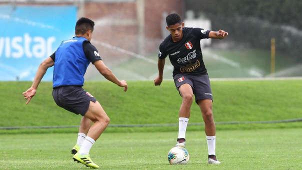 ¡Se encienden las alarmas en Alianza Lima! Kevin Quevedo salió sentido en el partido de la Selección Peruana Sub 23
