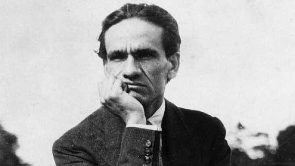César Vallejo - Los heraldos negros