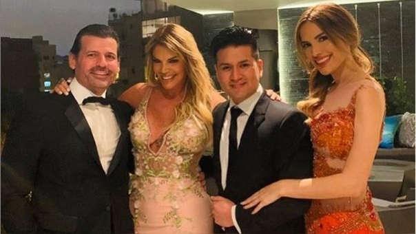 Jessica Newton y su esposo posaron junto a Deyvis Orosco y Cassandra Sánchez Lamadrid