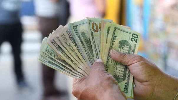 En los últimos doce meses la divisa cayó 0.53%, de acuerdo con el Banco Central de Reserva.