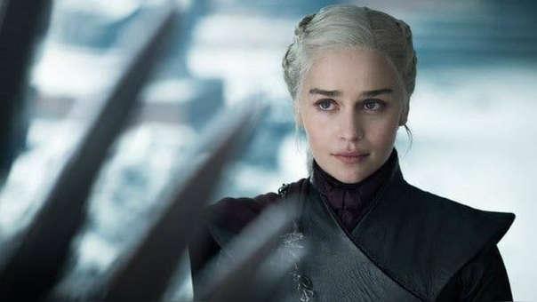 Emilia Clarke revela presiones para rodar desnudos en nuevos proyectos después de