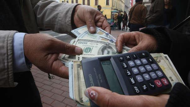 En los últimos doce meses la divisa cayó en 0.27%, de acuerdo con el Banco Central de Reserva.