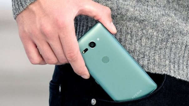 El Xperia XZ2 Compact salió en 2018 demostrando cómo Sony se había atrasado en las tendencias: solo tenía una cámara.