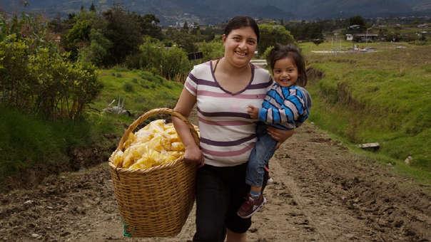 Las mujeres en el agro son las responsables de sembrar más del 50% de los alimentos que se consumen en el mundo.
