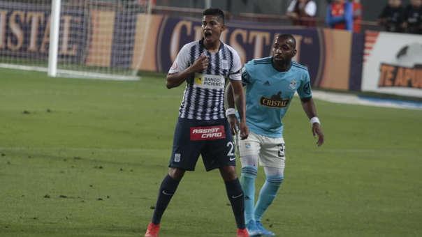 Alianza Lima vs. Sporting Cristal chocan en el Estadio Nacional