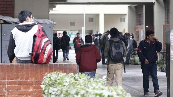 Universidades afectadas quedan impedidas de convocar admisiones por nuevos ingresantes.