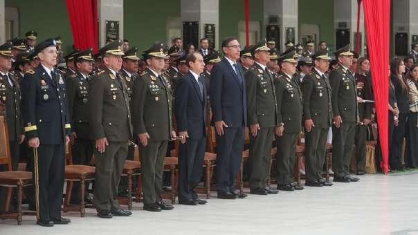 El presidente Vizcarra presidió la ceremonia de graduación de la IV Promoción de Oficiales de Reserva del Ejército.