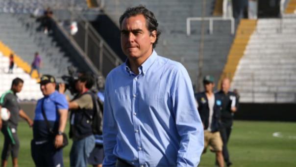 'Chemo' del Solar, fuerte candidato para ser el director de competiciones de la FPF