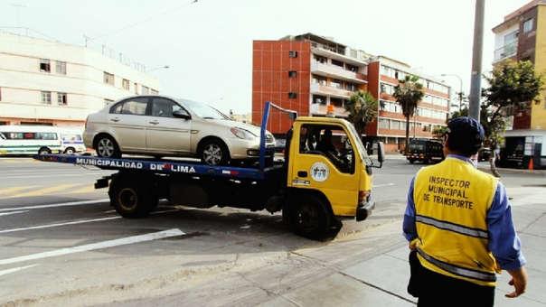 Operativos contra autos mal estacionados