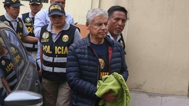 César Villanueva tiene una orden de prisión preventiva.