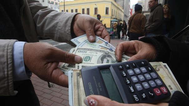 En los últimos doce meses la divisa cayó en 1.57%, de acuerdo con el Banco Central de Reserva.