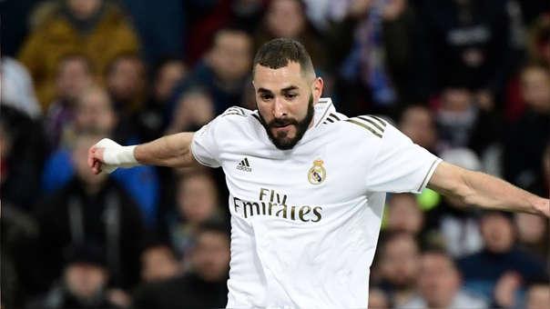 Karim Benzema: se fracturó el dedo meñique en enero, no se operó y así luce ahora