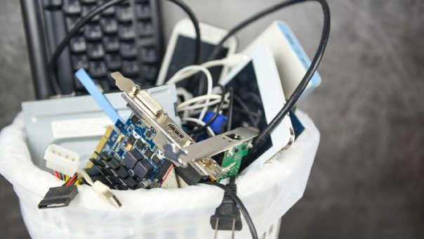 Los residuos de aparatos eléctricos y electrónicos también pueden ser reciclados.