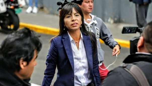 Giulliana Loza, abogada de Keiko Fujimori, cuestionó al fiscal Pérez.
