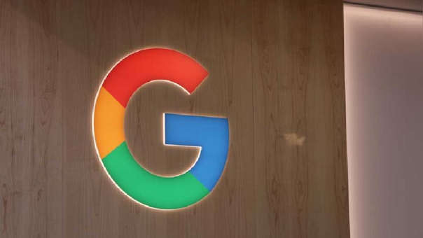 Google recibe demando por supuesta copia tecnológica.