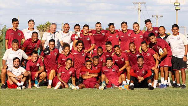 Universitario disputará dos partidos amistosos en Argentina.