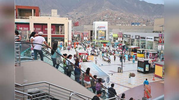 El 35% de peruanos acude a centros comerciales para entretenerse.