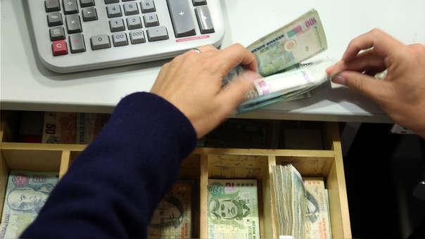 La recomendación es revisar periódicamente la clasificación de riesgo de los bancos, cajas, sostuvo Pérez de Armas.