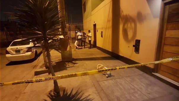 Atacante y víctima terminaron en la calle tras la fuerte discusión que sostuvieron.