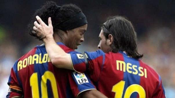 Ronaldinho coincidió cuatro temporadas en Barcelona con Lionel Messi.