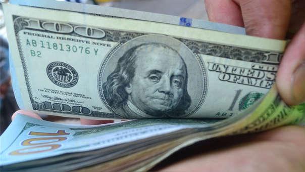 En los últimos doce meses la divisa cayó en 0.24%, de acuerdo con el Banco Central de Reserva.
