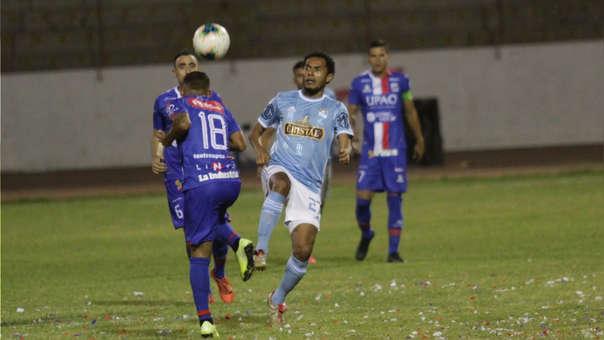 Carlos Lobatón jugó al lado de Renzo Sheput en el partido entre Mannucci vs. Cristal