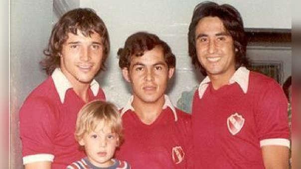 Percy Rojas y Ricardo Bochini jugaron juntos dos temporadas en Independiente.