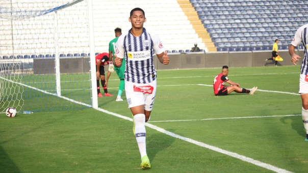 Bengoechea descarta que Alianza Lima negocie con Kevin Quevedo.