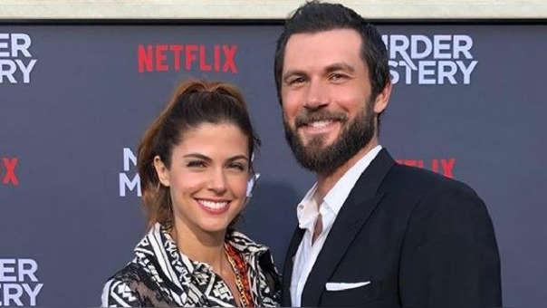 Stephanie Cayo y esposo