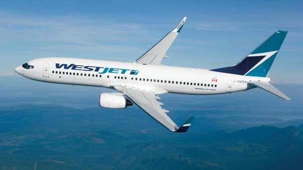 La Policía y los funcionarios de salud pública recibieron el vuelo a su llegada a Toronto.