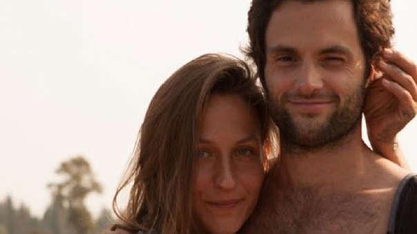 Penn Badgley y su esposa