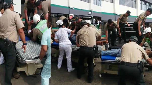 El policial en retiro fue trasalado de emergencia al hospital PNP Augusto B Leguia, del Cercado de Lima.