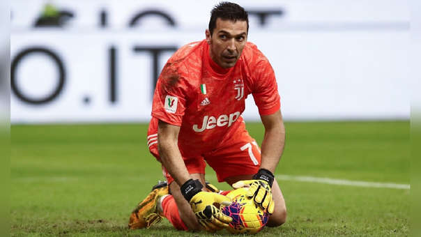 Gianluigi Buffon retornó a Juventus tras su paso en PSG.