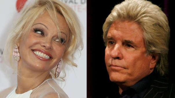 Pamela Anderson anunció su separación del productor Jon Peters, después de 12 días de matrimonio.