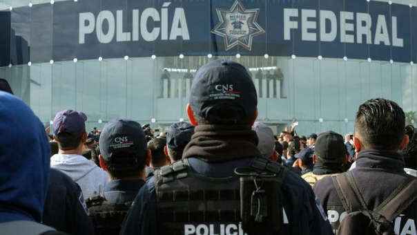 REINA DEL NORTE POLICÍA