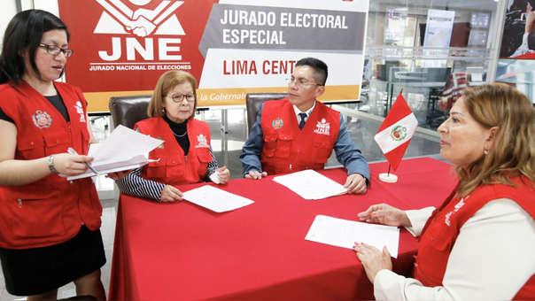 El JNE trabajó sábados y domingos para resolver las más de 11,500 actas observadas, luego de las Elecciones Congresales.
