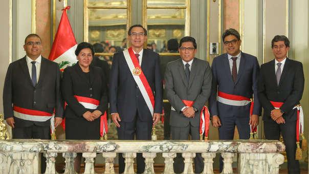 Cambios en el Gabinete Zeballos: Presidente Martín Vizcarra tomó juramento a cuatro ministros.