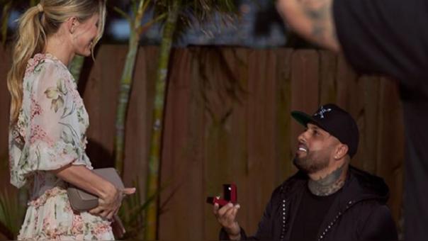 Nicky Jam se comprometió con Cydney Moreau
